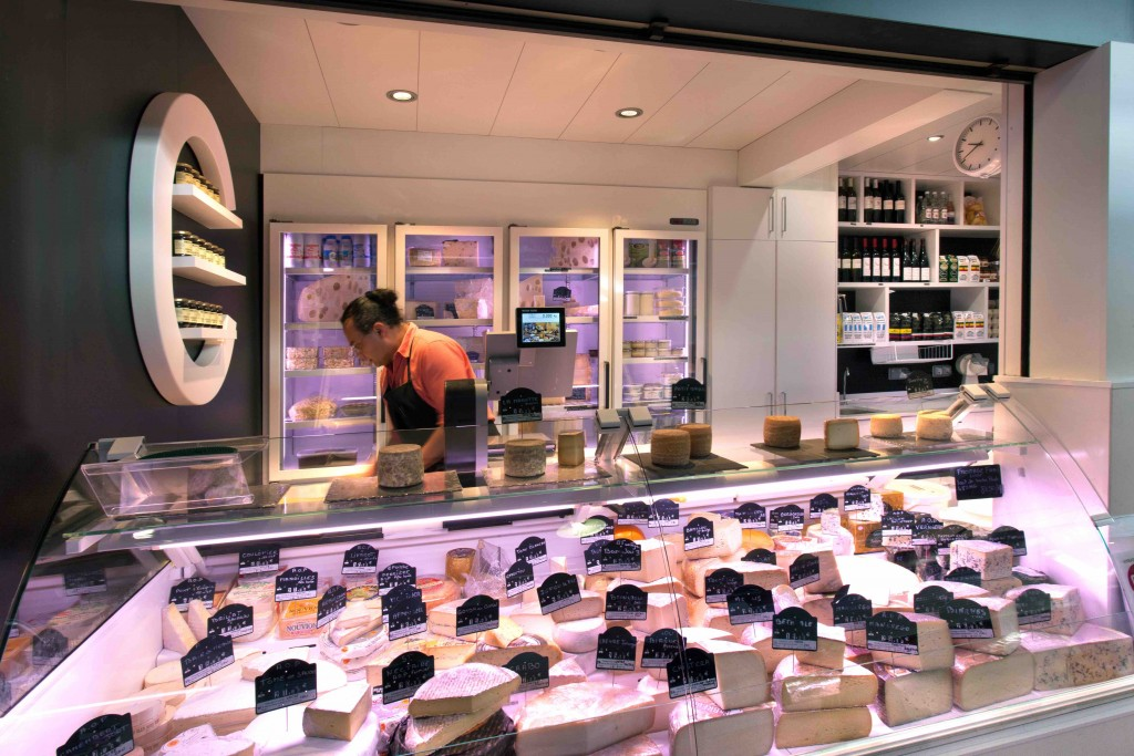 cremerie-Canac à Toulouse avec agencement de crémerie fromagerie par nakide