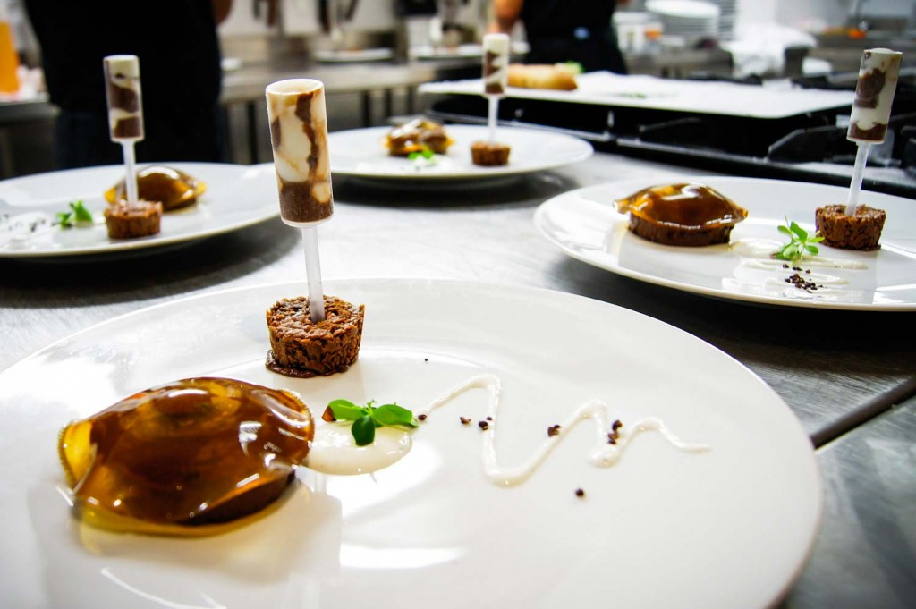osens60-Brasserie-Restaurant-dessert-chocolat-Photo-Branding-Enzo-Pascual-Design-Studio-pâtisserie