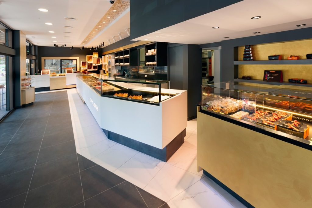 vitrine-refrigeree-agencement-nakide-retail-architecture-cruz