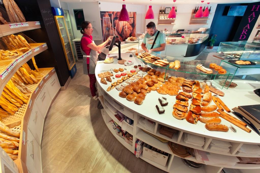 Au Vieux Fournil par nakide Saint Girons - agencement boulangerie - pâtisserie - décoration