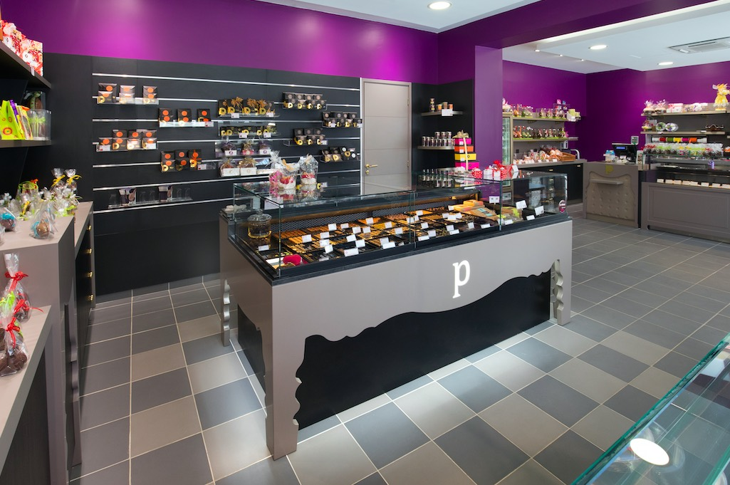 Maison Pillon par nakide Maison Pillon Blagnac by nakide - Maison Pillon Blagnac comptoir - agencement chocolatier - décoration chocolaterie - agencement confiseur - design chocolaterie