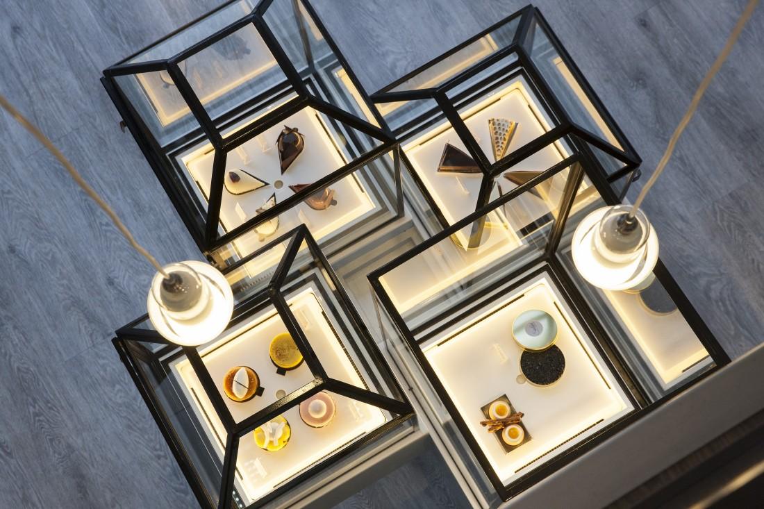 Nakide propose l' agencement de pâtisserie avec vitrines réfrigérées uniques