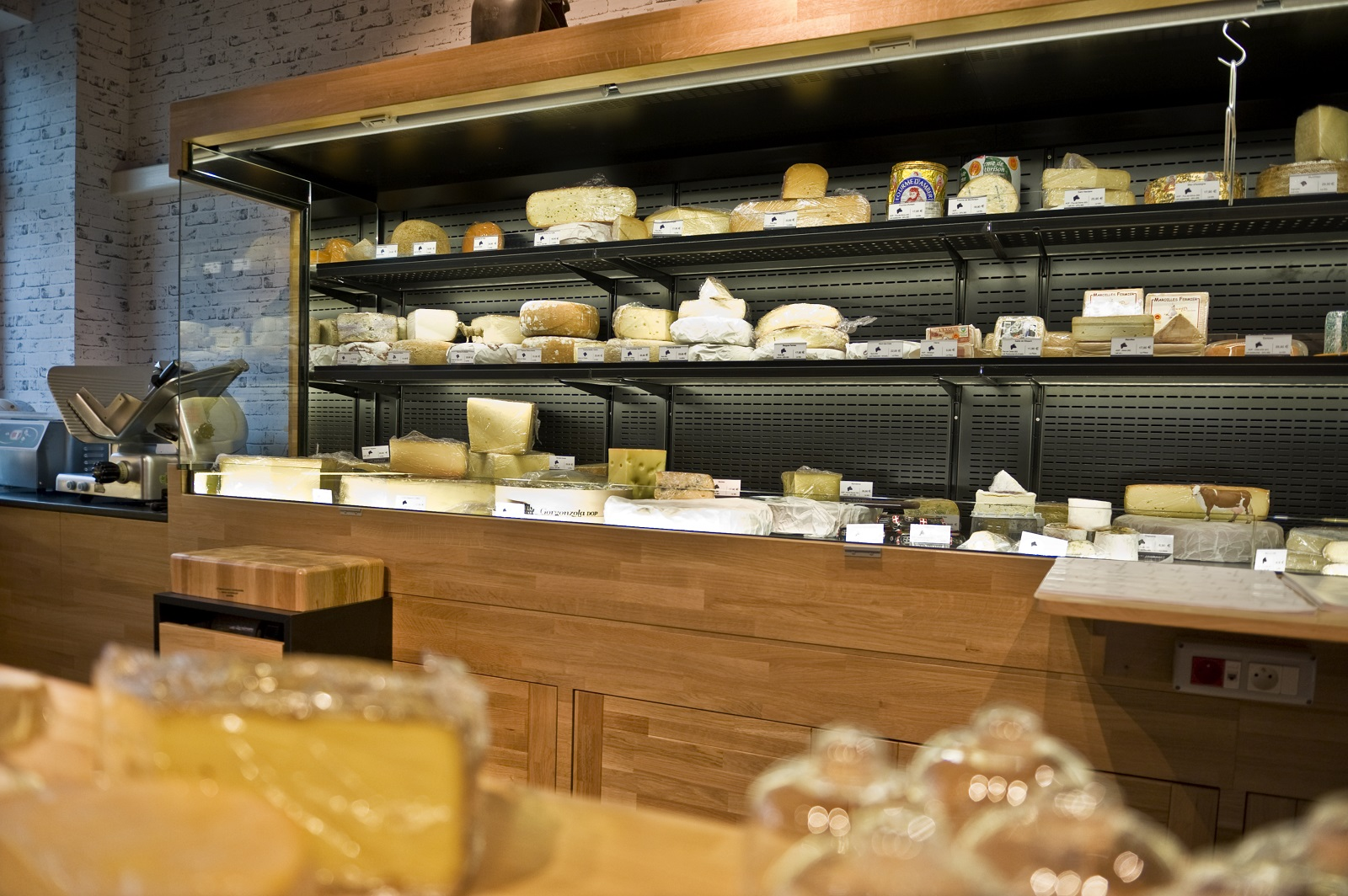 L'ami Fromager - agencement-nakide-armoire-fromage-cruz
