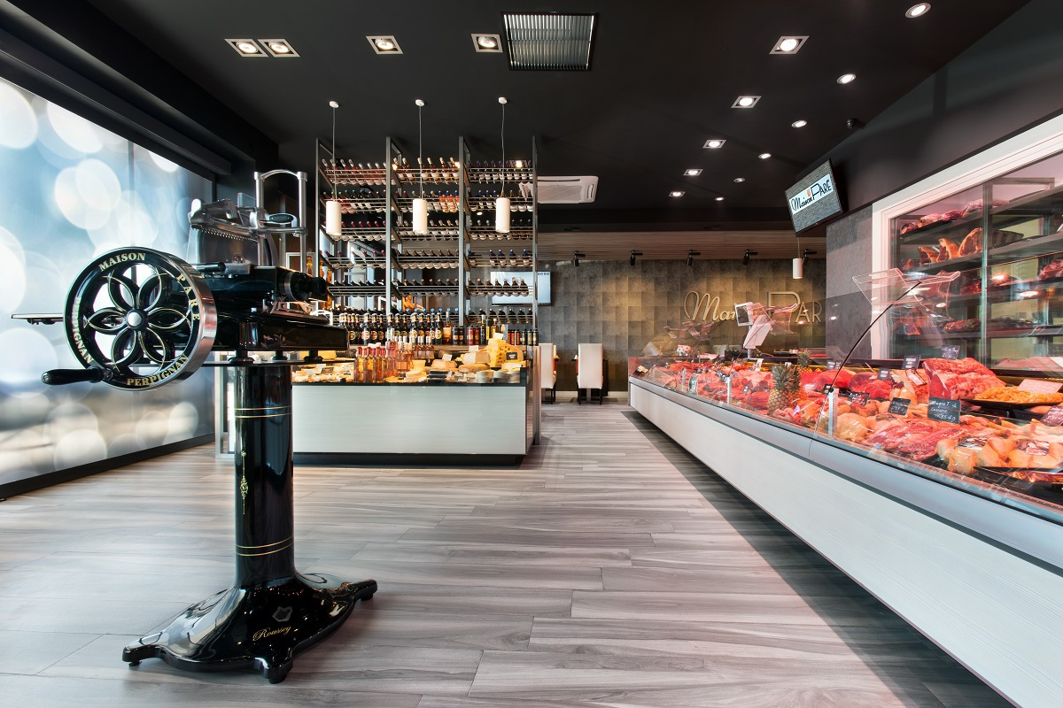 maison-pare-agencement-boucherie-charcuterie-nakide-retail-architecture-vitrine-refrigeree-fromage